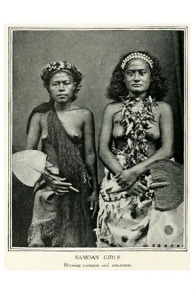 Altes Foto Zwei Frauen von Samoa (Neudruck als Postkarte)