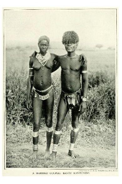 Altes Foto Ehepaar der Bantu in Kenia (Neudruck als Postkarte)