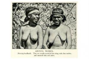 Altes Foto Zwei Frauen der Arunta (Neudruck als Postkarte)