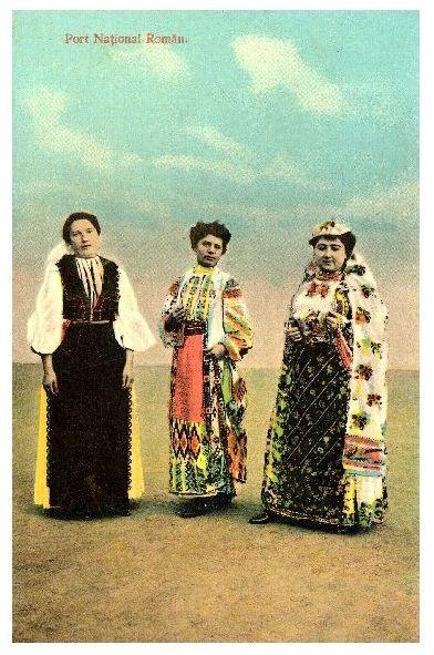 Alte Farbfoto-AK 3 Frauen in rumänischer Tracht (Neudruck als Postkarte)