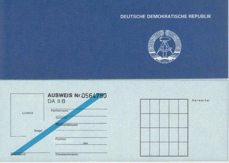 DDR Ausweis Dienstausweis DA II B blanko