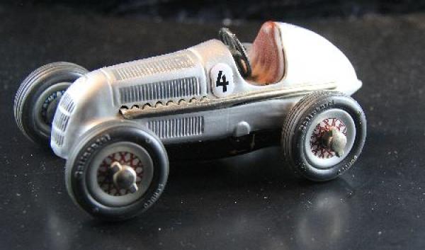 Schuco Mercedes-Rennwagen 1938 Studio 1050 Metallmodell (1680)