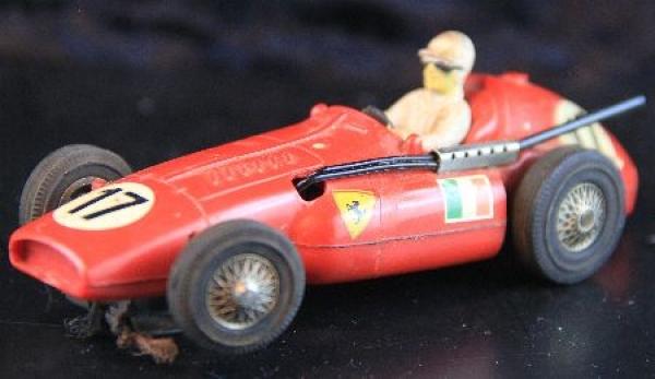 Märklin Sprint Ferrari Supersqualo Formel 1 Rennbahnmodell mit Motor 1962