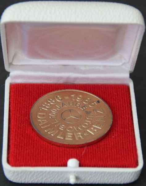 "Mercedes Benz Silbermedaille ""100 Jahre Automobil"" in Box 1986"