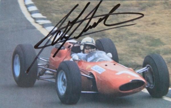 John Surtees Motorrad und Formel 1 Rennfahrer Originalautogramm 1965