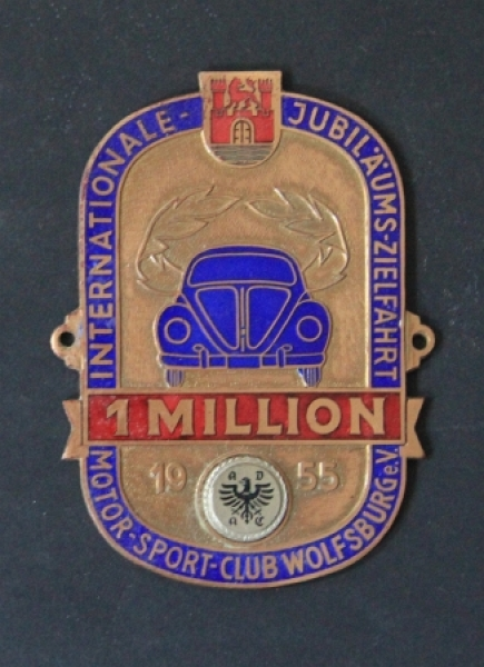 "Volkswagen ADAC-Plakette ""1 Million - Internationale Jubiläumszielfahrt"" 1955 Messing emailliert"