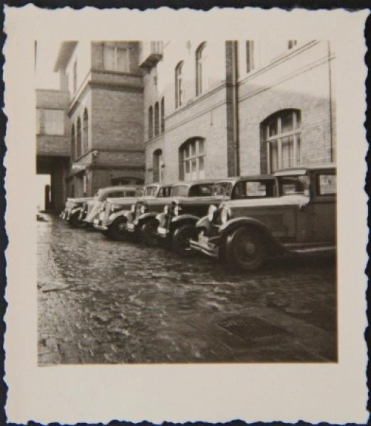 Verschiedene Opel-Modelle in Sachsen 1939 Originalphoto