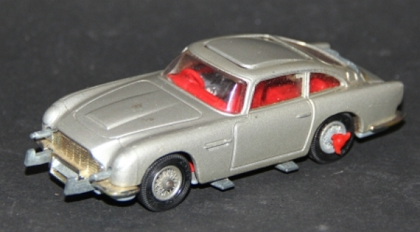 """Corgi Toys Aston Martin DB 5 """"James Bond"""" 1965 Metallmodell"""