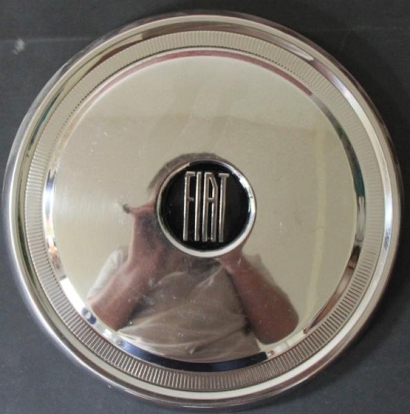 Fiat 2300 Radkappe 1963 verchomt mit Logo
