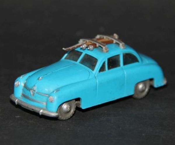 Siku Borgward 1800 mit Dachski V66 Plastikmodell 1957