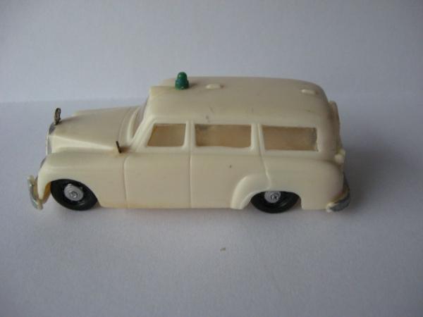 Siku Mercedes-Benz Krankenwagen V71 Plastikmodell 1957