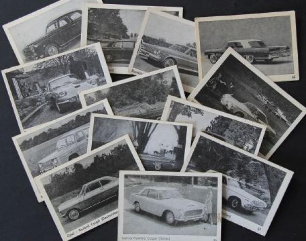 13 Sammelbilder verschiedener europäischer Automobile 1965 Karton