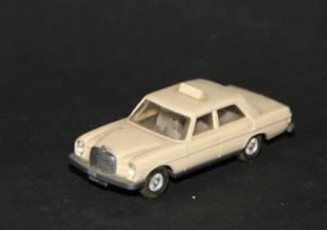 Wiking Mercedes-Benz 200 Taxi 1972 Plastikmodell