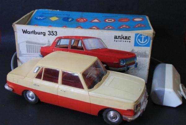 Anker Spielzeug Wartburg 353 mit Fernsteuerung im Originalkarton 1966