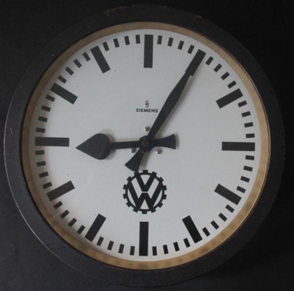 Volkswagen Siemens-Werksuhr aus dem KdF-Werk Fallersleben 1940