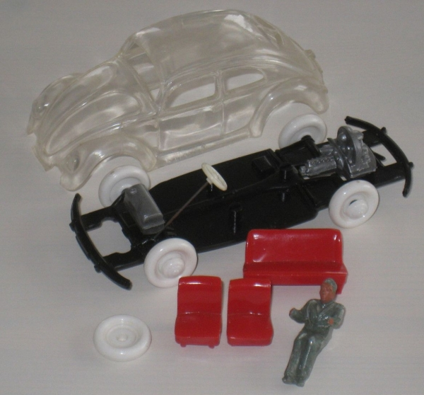 Wiking Volkswagen Brezel-Käfer 1952 Glasmodell mit Fahrer 3