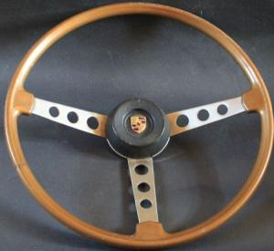 Porsche 911 Sportlenkrad 1966 mit Emblem
