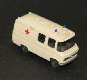 Wiking Mercedes-Benz L 406 Krankenwagen 1974 Plastikmodell
