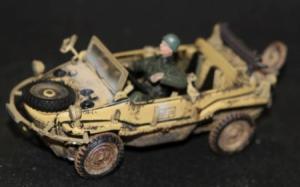 "Unimax Volkswagen Schwimmwagen ""Forces of Valor"" 1944 Kunstoffmodell"