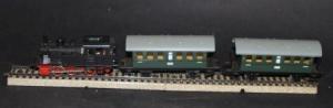 Märklin Tender-Dampflok 3025 mit 2 Waggons 1975