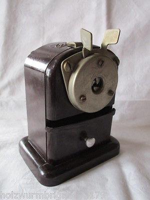 Alter Bakelit Bleistiftanspitzer HEMA um 1940