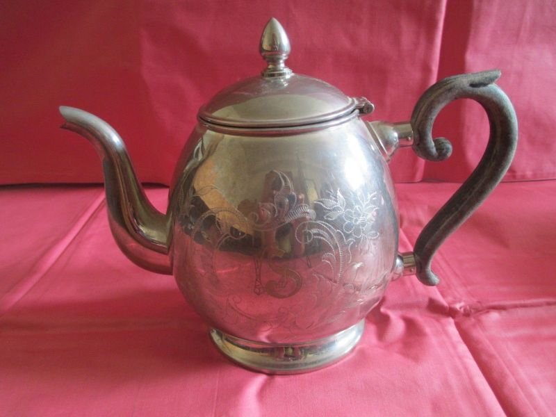 Tee/ Kaffeekanne Jugendstil um 1900, Gravur