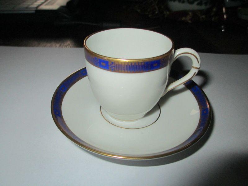 Alte Sammeltasse/ Mokkatasse blau gold Dekor