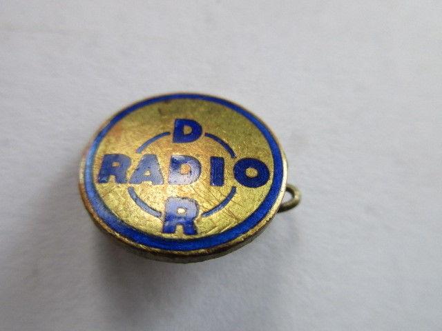 DDR Abzeichen  DDR RADIO  emailliert