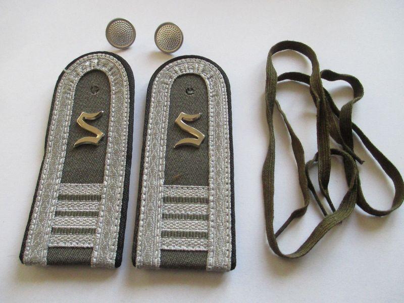 NVA 1 paar Schulterstücke Offiziersschüler Pioniere  4 Lj.  schwarz