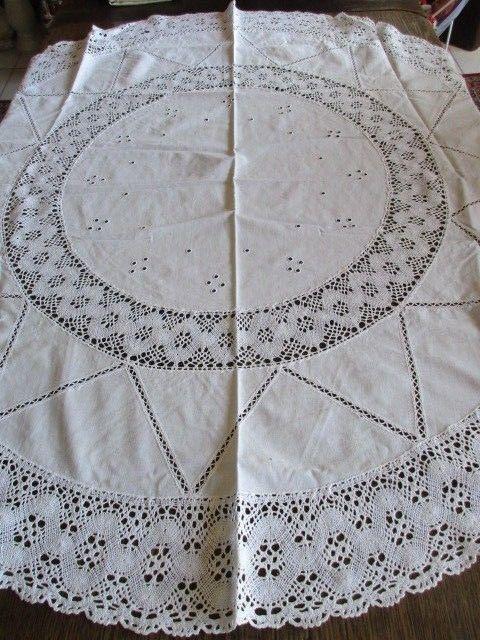 Schöne alte Leinen Tischdecke rund Häkelspitze Ø 125 cm