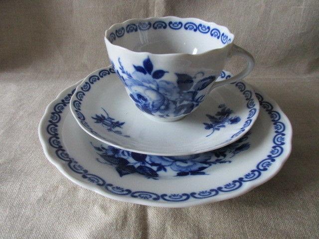 Wunderschöne alte Sammeltasse Sammelgedeck blaue Rose PMP Plaue Echt Kobalt