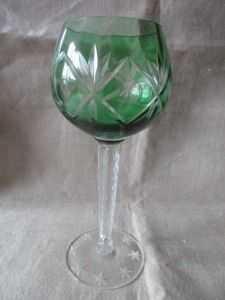 Altes Kristallglas Weinglas Römer grüner Überfang