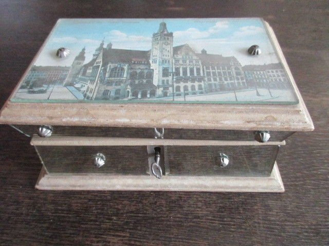 Wunderschöne alte Holz Schatulle Schmuckschatulle mit Stadtansicht Chemnitz