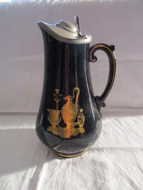 Keramik alte Kanne Wasserkanne Krug Jugendstil Motiv um 1890 mit Zinndeckel