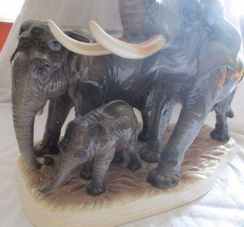 Hertwig & Co Katzhütte XXL Elefantenfamilie Elefanten Herde TOP Höhe 36 cm 2