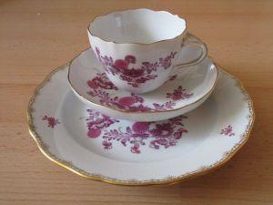 Meissen altes Kaffeegedeck Gedeck indisch purpur Schmetterlinge 3 tlg.  2.Wahl