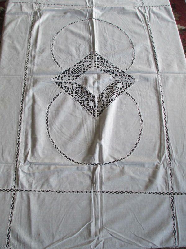 Wunderschöne alte Baumwolle Tischdecke mit Klöppeleinsatz 140 x 110 cm