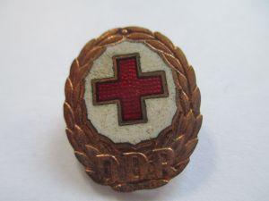 Rotes Kreuz Abzeichen DDR  emailliert