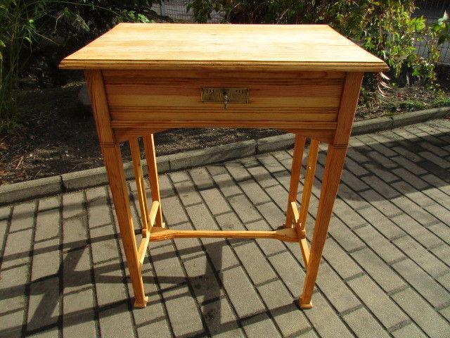 Alter Beistelltisch Tisch Esstisch Jugendstil Weichholz um 1900