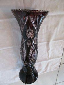 Schöne alte Bleikristall Vase Überfangglas Rubin mit schwerem Fuß Höhe 38,5 cm