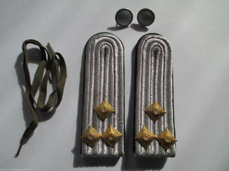 NVA 1 paar Schulterstücke Oberleutnant  Pioniere schwarz