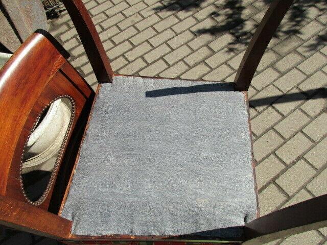 2 alte Stühle Nussbaum 7