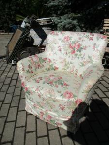 Alter Sessel neu bezogen