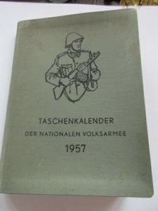 NVA  Taschenkalender von 1957   11 x 15 cm