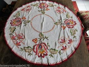 Herrliche alte Tischdecke rund Stickerei tolle Handarbeit Ø 90 cm