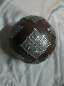 Seltene Holzkugel mit filigraner Metallverarbeitung feinste Handarbeit um 1880