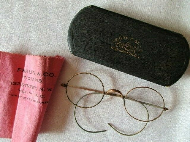 Altes Brillenetui mit Brille Franklin & Co Opticians Washington ( 2) 8