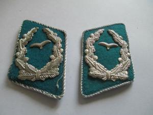 NVA -  Kragenspiegel  Luftstreitkräfte Offiziere  blau