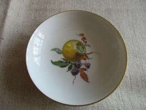 Meissen kleinen Schälchen Obst Obstdekor Goldrand 1. Wahl Ø 8 cm