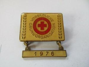 DDR Abzeichen Ehrentitel Vorbildliche Grundorganisation DRK 1976